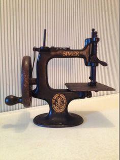 Antique Miniature Singer Sewing Machine