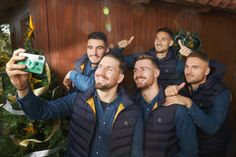 Panathinaikos FC Christmass 2020 campaign - Dimitris Vlaikos - Portrait Photographer Athens Greece Advertising Photography, Athens Greece, Portrait Photographers, Campaign, Projects, Log Projects, Blue Prints, Commercial Photography
