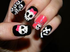 Skull nail art looks quite funky and most young gals swear by this cool nail trend that has been in fashion for many years and am sure the. Skull Nail Designs, Skull Nail Art, Nail Art Designs 2016, Skull Nails, Halloween Nail Designs, Halloween Nail Art, Glitter Nail Art, Emo Nail Art, Dream Nails