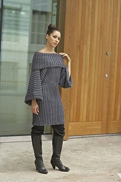 Ravelry: Oversized Stigehull Genser pattern by Linda Marveng. Photo: Kim Müller. Model: Cristiane Sa