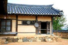 전통 한옥 구조와 용어 - 선조들의 슬기로움이 보인다 - Daum 부동산 Korean Traditional, Traditional House, Asian Steampunk, Passive House, Decoration, Chinese Art, Architecture, Outdoor Decor, Inspiration