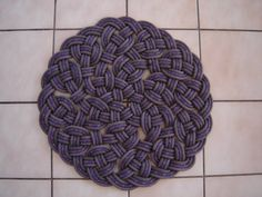 Rock Climbing Photo: Large round kitchen/area rug. This one is in Paul ...