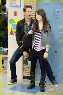 Quit stalking the hallways,Spencer. You're too old for highschool, or college for that matter. Spencer Icarly, Carly Spencer, Icarly Characters, Starstruck Movie, Long Sleeve Quinceanera Dresses, Icarly Cast, Miranda Cosgrove Icarly, Sam E Cat, Hannah Montana