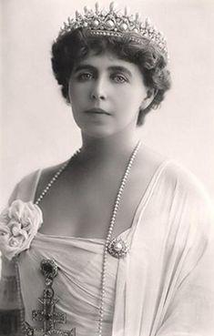 Marie of Romania (Marie Alexandra Victoria, born Princess Marie of Edinburgh, grand-daughter of Queen Victoria),  1875 – 1938).  Queen Consort of Romania from 1914 to 1927, as the wife of King Ferdinand.