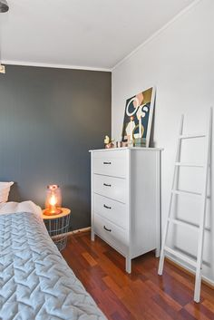 FINN – ALEXANDER KIELLANDS PLASS - Lekker 3(4)-r loftsleilighet med herlig vinterhage, mulighet for peis og 90 kvm gulvareal! Filing Cabinet, Dresser, Real Estate, Storage, Furniture, Home Decor, Purse Storage, Homemade Home Decor, Lowboy