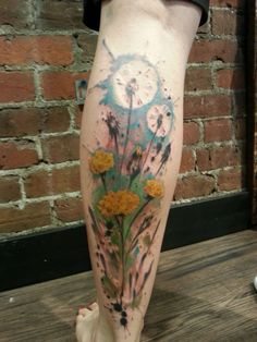 Splattered dandelions by Arlin Ffrench at Gastown Tattoo via reddit.com