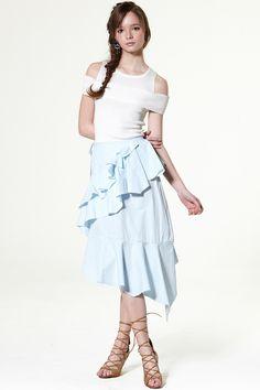 Feel The Vibes Frayed Skirt Discover the latest fashion trends online at storets.com #Velvet Skirt  #Pocket Skirt  #Leggings