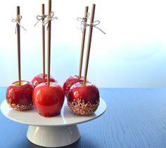 La chica de la casa de caramelo: Manzanas de caramelo (candy apples)