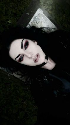 Gothic Beautiful Girl Baph O Witch Makeup Fx, Witch Makeup, Dark Makeup, Makeup Inspo, Makeup Inspiration, Dark Angel Makeup, Evil Makeup, Makeup Ideas, Makeup Tips
