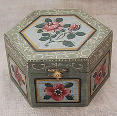 Hand painted wooden box antiqued - 6 Sided Gift Box