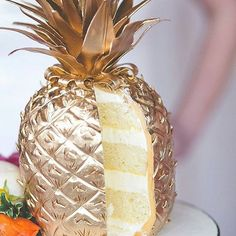 Now this is our kind of cake. Southern hospitality and sugar to hand in hand. #blacksouthernbelle  Origanl image by @adorncakes and reposted by  @al.stylist Soft on the inside, tough on the outside! It usually gets the job done! #pineapples #ALTeam  #instarepost20