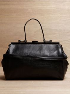 Jil Sander Madam Handbag from A/W 11 collection in black. black calf leather with visible grain and creases My Bags, Purses And Bags, Calf Leather, Leather Bag, Handbag Accessories, Fashion Accessories, Best Handbags, Best Bags, Vintage Handbags