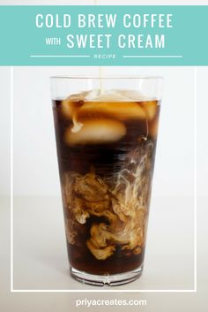 Starbucks Copycat Cold Brew Coffee With Vanilla Sweet Cream - Just Tried This Amazing I Am In Love With The Starbucks Vanilla Sweet Cream Cold Brew And This Is Nearly Identical I Didnt Have Any Vanilla Extract And Sometimes Like To Switch Up Flavors S Starbucks Recipes, Starbucks Drinks, Starbucks Coffee, Coffee Recipes, Iced Coffee, Drink Coffee, Coffee Mugs, Cold Brewed Coffee, Drink Recipes