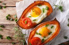 Bataty zapiekane z jajkiem i pomidorkami Adobo Seasoning, Queso Mozzarella, Fried Shallots, Vegetable Casserole, Serving Dishes, Casserole Dishes, Food Processor Recipes, Yummy Food, Nutrition