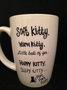 SOFT KITTY Big Bang Theory Inspired Mug Black by TheMugglyDuckling, (Isn't that a fantastic shop name, Muggly Duckling? Cool Gifts, Diy Gifts, Coffee Cups, Coffee Coffee, Coffee Humor, Coffee Time, Tea Time, Mug Art, Sleepy Cat