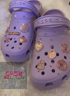 Crocs Fashion, Sneakers Fashion, Jordan Shoes Girls, Girls Shoes, Cool Crocs, Designer Crocs, Alexander Mcqueen Shoes, Nike Shoes Air Force, Swag Shoes
