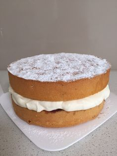 Sponge Cake. Melbourne Cup Day 2015. Recipe from Donna Hay Classic Cookbook 2.