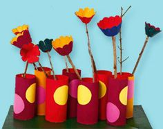 #Bricolage pour enfant : des vases et des #fleurs en papier colorés