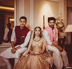 Photographer - Picture Perfect! Photos, Hindu Culture, Beige Color, Mangtika, Antique Jewellery, Polki Kundan Jewellery pictures, images, vendor credits - The Entertainment Design Company, Manish Malhotra, Arpita Mehta, Sabyasachi Couture Pvt Ltd, WeddingPlz
