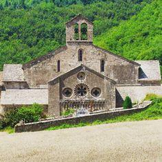 #Tous en Aveyron Architecture, Notre Dame, France, Building, Travel, Vacation, Organization, Arquitetura, Viajes