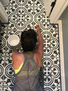 Easy stenciled tile floor using Cutting Edge Stencils DIY tile stencil patterns . - Easy stenciled tile floor using Cutting Edge Stencils DIY tile stencil patterns The - Painting Shower, Painted Shower Tile, Painted Floor, Stenciled Tile Floor, Diy Tile, Painting Bathroom, Flooring, Painting Tile Floors, Staircase Makeover