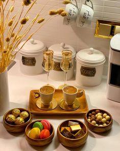 Afghanistan Food, Coffee Presentation, Catering Food Displays, Iran Food, Sleepover Food, Party Food Platters, Food Decoration, Food Goals, Food And Drink