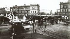 Fotografie der Haltestelle Hallesches Tor: Im Vordergrund Straßenbahnen | Bildquelle: akg