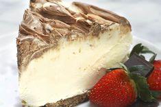 Dieser Käsekuchen wird mit Irish Cream Likör gemacht und du musst ihn nicht backen, wie geil ist das denn
