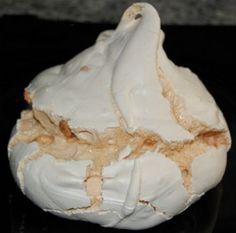 ¿Cómo hacer un buen merengue? No Bake Desserts, Healthy Desserts, Chilean Recipes, Un Cake, Candy Cookies, Pastry Cake, Pavlova, Sin Gluten, Mini Cakes