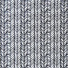 Um belo estampado geométrico, preenchido com linhas obliquas que se intercetam formando um padrão entrançado, em preto e branco. Pode ser combinado com diferentes padrões de forma a conferir dinamismo à decoração. Perfeito para cortinas e estores, almofadas, coxins e muito mais.