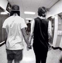 Vic and Kellin bromance <3