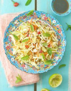 Salade de chou blanc à la japonaise - ELLE Veggie Recipes, Asian Recipes, Healthy Recipes, Ethnic Recipes, Meals Without Carbs, Kinds Of Salad, 20 Min, Summer Recipes, Healthy Life