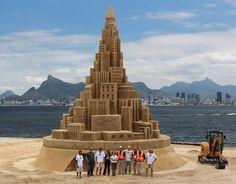 Big City Island sand Sculpture Sand Art, Sculptures, The Incredibles, Island, Arts, Castles, Amazing, Snow