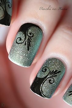 Gorgeous art deco nails