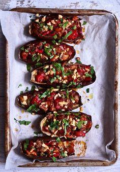 "Stuffed eggplant - Imam Bayildi- "" the Imam Fainted"" Veggie Dishes, Vegetable Recipes, Vegetarian Recipes, Cooking Recipes, Healthy Recipes, Cooking Tips, I Love Food, Good Food, Yummy Food"