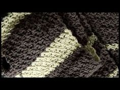 Seed StitchThis is one of the easiest and simplest crochet stitch patterns to do.