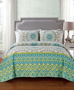 Vcny Home Phoebe 3 Pc Full/Queen Medallion Quilt Set - Blue Bohemian Quilt, King Quilt Sets, How To Clean Pillows, Medallion Quilt, Bed Linen Design, Smart Furniture, Bedding Collections, Bedroom Decor, Master Bedroom
