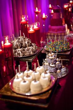 Perfect idea for a wedding candy bar! Candy Apples!!