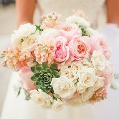 A lineup of Stunning Wedding Bouquets [Spindle Photography]