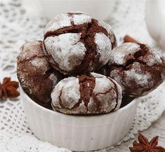 Cookies σοκολάτας με άχνη ζάχαρη!!! - Filenades.gr Brownie Recipes, Cookie Recipes, Dessert Recipes, Desserts, Greek Cookies, Sweet 15, Greek Recipes, Cakes And More, Cookie Bars