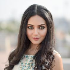 Vidya Pradeep Hot And Beautiful Pictures And Wallpapers Beautiful Images Hd, Beautiful Girl Image, Beautiful Women, Hd Wallpapers For Mobile, Mobile Wallpaper, Latest Wallpapers, Iphone Wallpaper, Beautiful Bollywood Actress, Beautiful Actresses