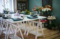 Workshop room in the Berlin Flower School Berlin, Table Settings, Workshop, School, Flowers, Room, Design, Creative, Bedroom