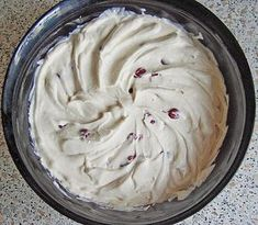 Fekete erdő krém süteménybe Confectionery, Fudge, Cake Recipes, Icing, Food And Drink, Cooking Recipes, Pie, Sweets, Cream