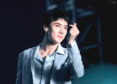 Sehun - 160724 Exoplanet #3 - The EXO'rDium in Seoul  Credit: Issuepoint.