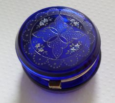 Decorative Boxes : Stunning Cobalt Blue Glass Hinged Pot -Read More – Im Blue, Love Blue, Blue And White, Color Blue, Antique Glass, Antique Bottles, Vintage Bottles, Vintage Perfume, Glass Hinges