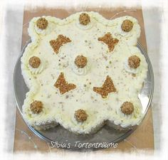 Silvia's Tortenträume: Giotto-Sahne lecker Giotto Schmetterling Deko Torte Kuche  Cake Rezept: https://www.facebook.com/SilviasTortentraeume/photos/pcb.592800494154276/592799620821030/?type=1&theater