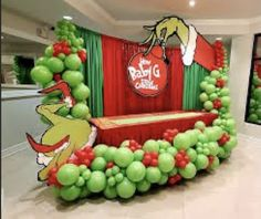 Grinch Christmas Party, Grinch Party, Christmas Baby Shower, Baby Boy 1st Birthday Party, 1st Birthday Party Decorations, Christmas Table Decorations, Baby Grinch, Baby Shower Themes, Balloons