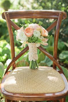 Peach Wedding Inspiration via Engaged & Inspired.  Event Design: Engaged & Inspired Events Photography: Carlie Statsky Floral: Floral Theory