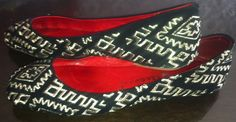 Jeffrey Campbell Black & Gold Tribal Print Ballet Flats size 7.5