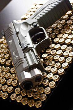 XDm 40 #gun #guns #rifle #m4 #ar15 #229 #rounds #clip #bolt #laser #scope #carbine #guns #gun #handguns #rifles #bullets #hunting #gunsandhunting